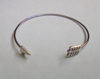 Silver metal Cuff Bracelet arrow 54mm