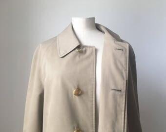 Classic Vintage 1960s Burberry Trenchcoat