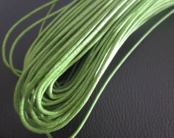 1 m green waxed cord of 1.5 mm in diameter
