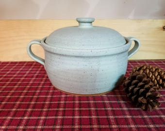 Icy turquoise bean pot