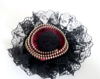 Brooch lace and black felted wool