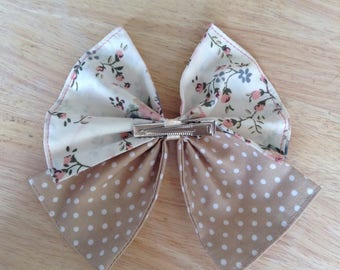 Large vintage style cotton bow