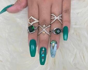 Marblelous Green Press On Nails