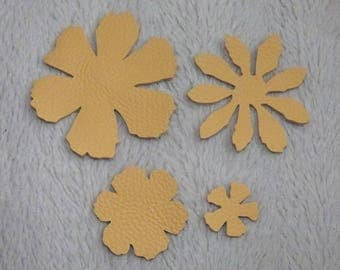 SET OF 4 BEIGE GENUINE LEATHER FLOWERS