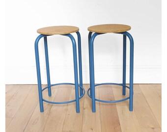 2 vintage mid top stools
