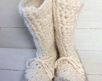 Womens slippers,Crochet slippers,Ladies slippers,Ladies cuff slippers,Mukluk slippers,Ladies slipper boots,Slipper boots, slippers