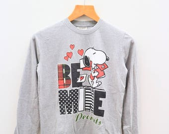Vintage SNOOPY Be Mine Peanuts Characters Gray Pullover Sweater Sweatshirt Size M