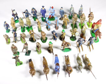 43 Vintage Lead Soldiers In Original Box