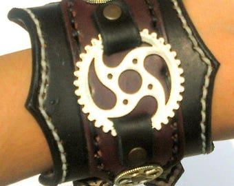 Steampunk Bracelet Black leather very resistant