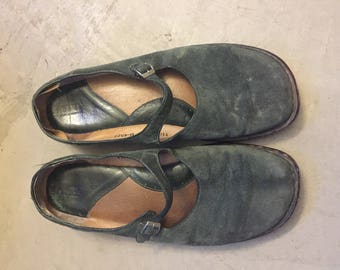 Olive Green Suede 1990s Born Mary Jane Slip-On Shoes W11