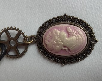 Beautiful fashion necklace with Cameo