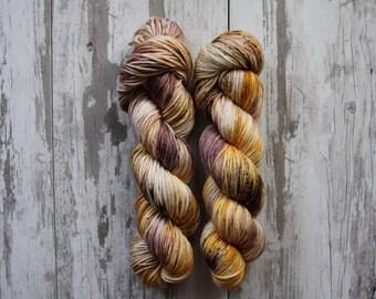 Tawny • Worsted Weight - Superwash Merino - Speckled Yarn - Hand Dyed Yarn - Hand Painted Yarn - Variegated Yarn
