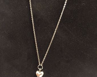 Sale!!Heart pendant necklace -silver 4 dollars off