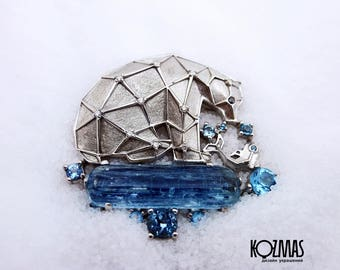 Silver brooch with Topaz - polar bear