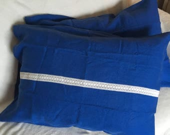 Linen standard pillow cases blue with white lace