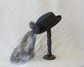 Vintage Inspired Ladies Hat with Tulle Bowl P1762