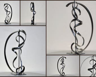 sculpture abstrait moderne en métal,art métal,déco métal,art contemporain