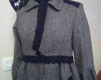 Short coat in wool and acrylic