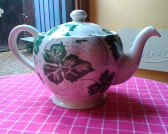 "Ivy design Tea Pot - vintage Grindley "" vignoble"" tea pot"