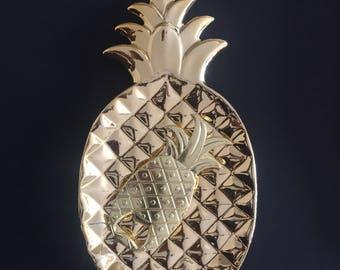 Chic & Glamorous Gold Pineapple bottle opener