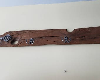 Reclaimed barnwood keyring and coatrack