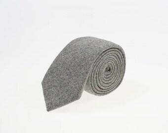 de MORÉ - achromatic tie