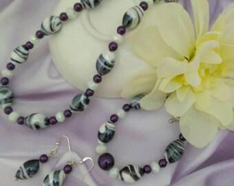 Purple and white oval shaped lampwork glass beaded jewelry set, fancy jewelry set for women, elegant jewelry, statement jewelry, classy set