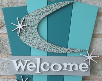 Retro Welcome Sign Making a Mint in Vegas