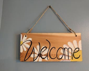 Welcome wood sign /flowers/ white daisy/ porch sign/ porch decor/ home decor