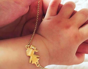 Gold bracelet Baby Girl or Boy with Engraving: name of birth date on the back side