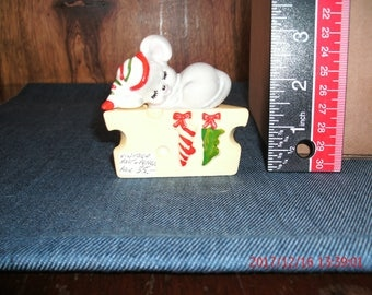 Christmas Mouse and Cheese wedge salt and pepper shakers