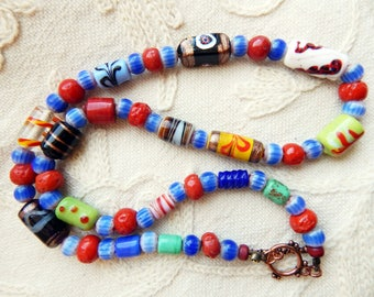 Fabulous Feathers - Glass Trade Feather Coral Glass and Chevron Bead Necklace