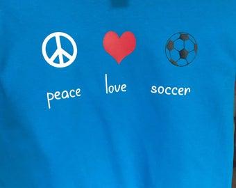 Soccer T-shirt/peace love soccer