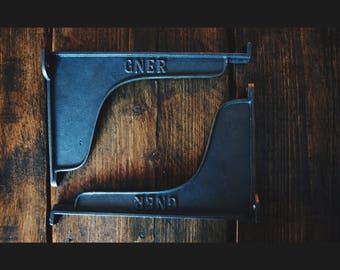 Pair of Rustic GNER Style Plain Shelf Brackets/Cistern