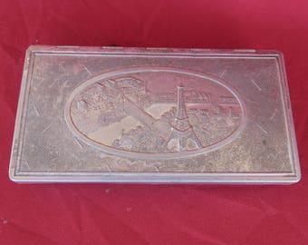ancienne boite en aluminium vue de Paris et de la Tour Eiffel / J.Makowsky édité / la S.I.R.A,old aluminum box seen from the Eiffel Tower