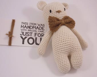 bear ecru crochet bowtie