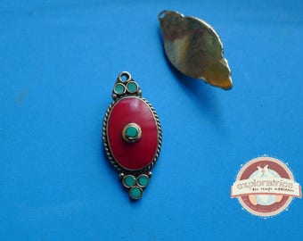 tibet nepal red and turquoise pendant in brass oval 18x37mm