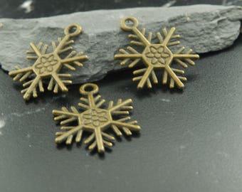4 antique bronze snowflake charms pendants