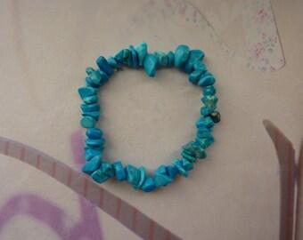 Turquoise gemstone chips bracelet