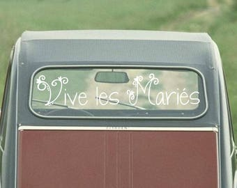 Sticker to live car of the married couple