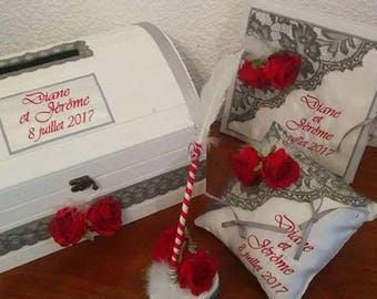 Cushion alliance with lace in red and grey roses theme - personalized wedding
