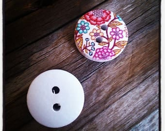 set of 2 wooden buttons shaped flowers 15mm round