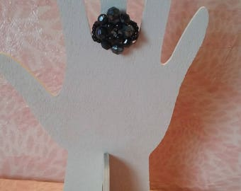 Ring oval black beads-