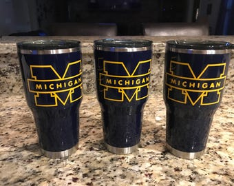 U of M custom painted Ozark cup. All hand painted no decals.