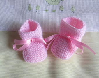 "Baby booties baby girl ""pink"" in size newborn handmade knit"