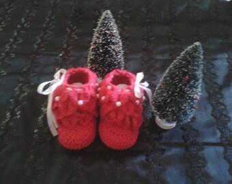 crocodile stitch dark pink booties size 0 to 3 months