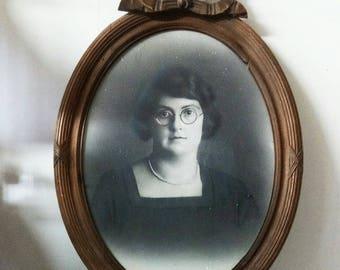 Ancien portrait in lovely wooden frame
