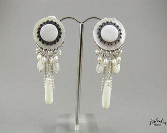 Earrings clip mother of Pearl, freshwater cultured pearl