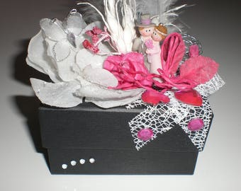 Box decorated n 13 black married