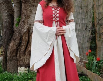 Medieval or elven cotton dress with lace sleeves